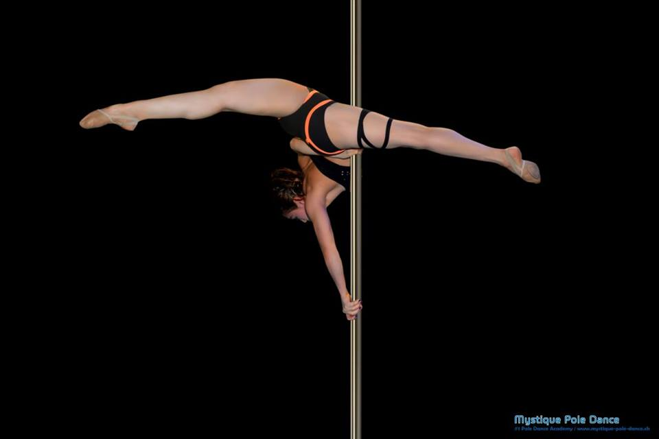 how to be a pole dance instructor